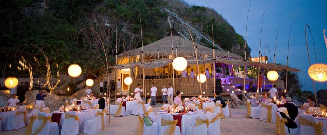 Karma-Kandara-Nammos-Beach-dinner(pp_w1040_h429).jpg