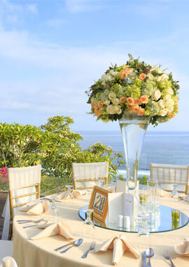 Pandawa Cliff Estate - Stunning table setting.jpg