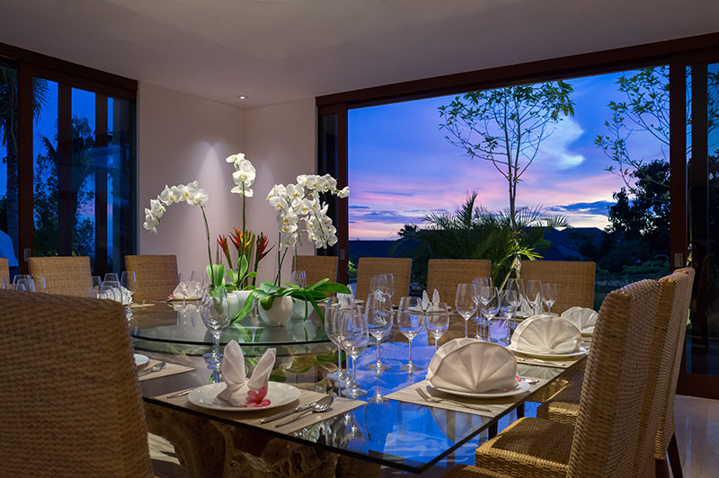 pandawa-cliff-estate-villa-rose-dining.jpg