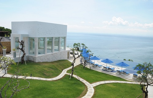 blueheavenbali_cliff_edge_chapel (1).jpg