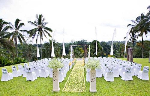 alila ubud elegant in white wedding by balifortwo.jpg