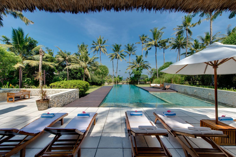 Samadhana-sun-loungers-with-ocean-view.jpg