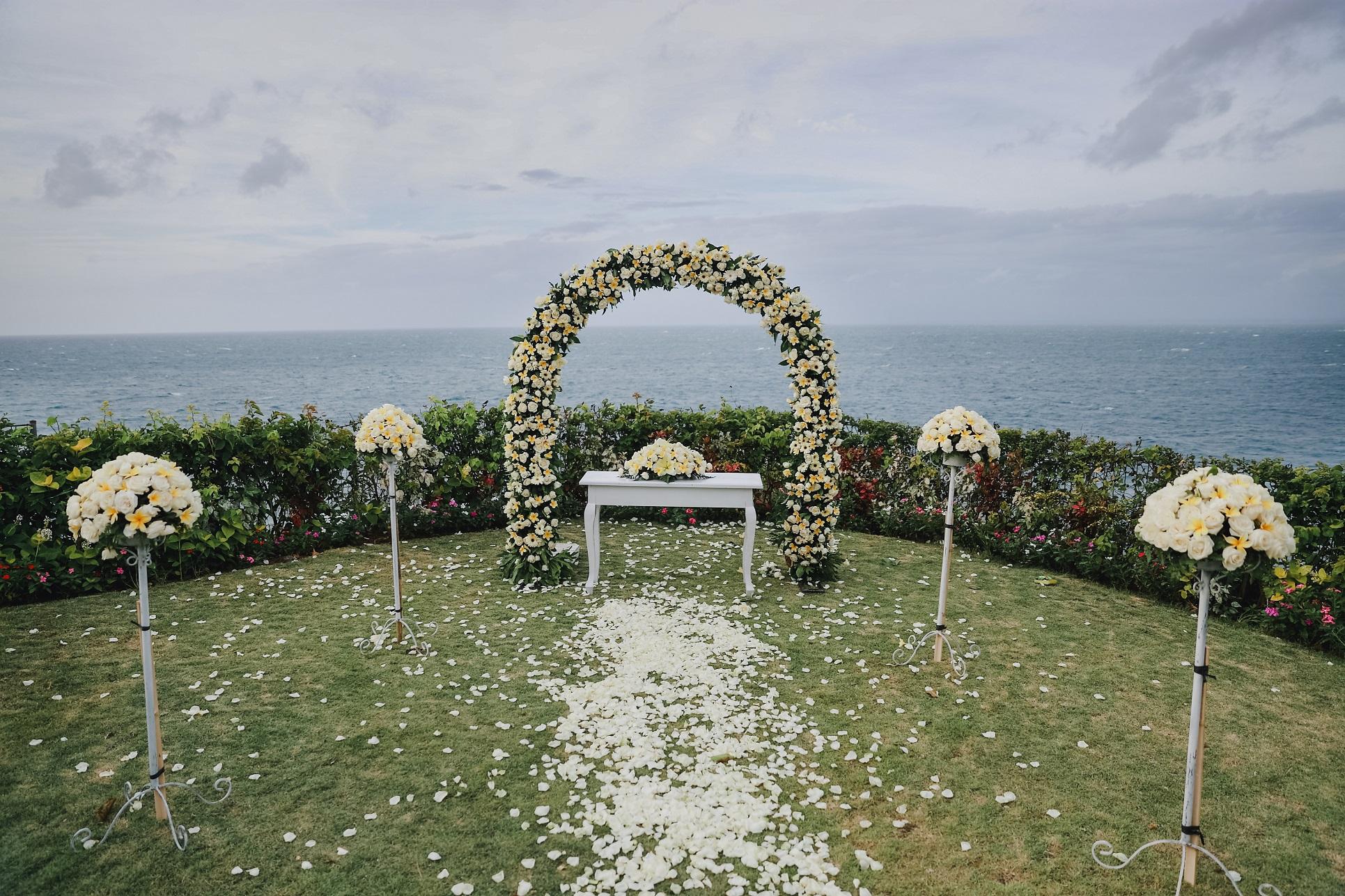 VILLA WEDDING DECOR.JPG