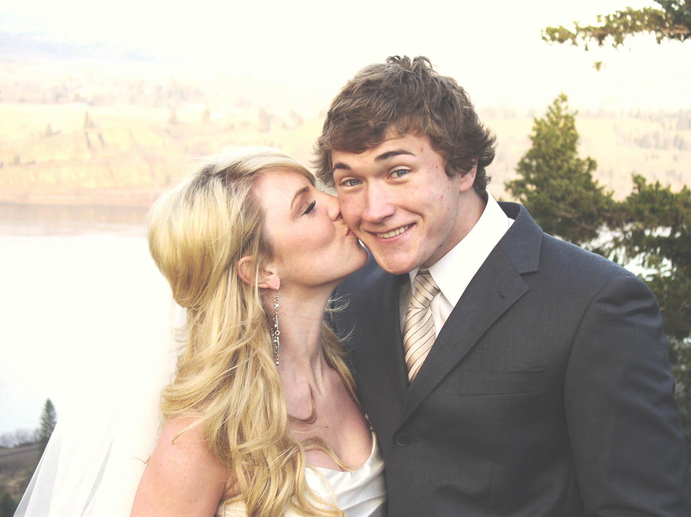 Josh + Anna || Columbia River Gorge Bridal Shoot