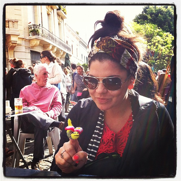 Bre with her bee at San Telmo market