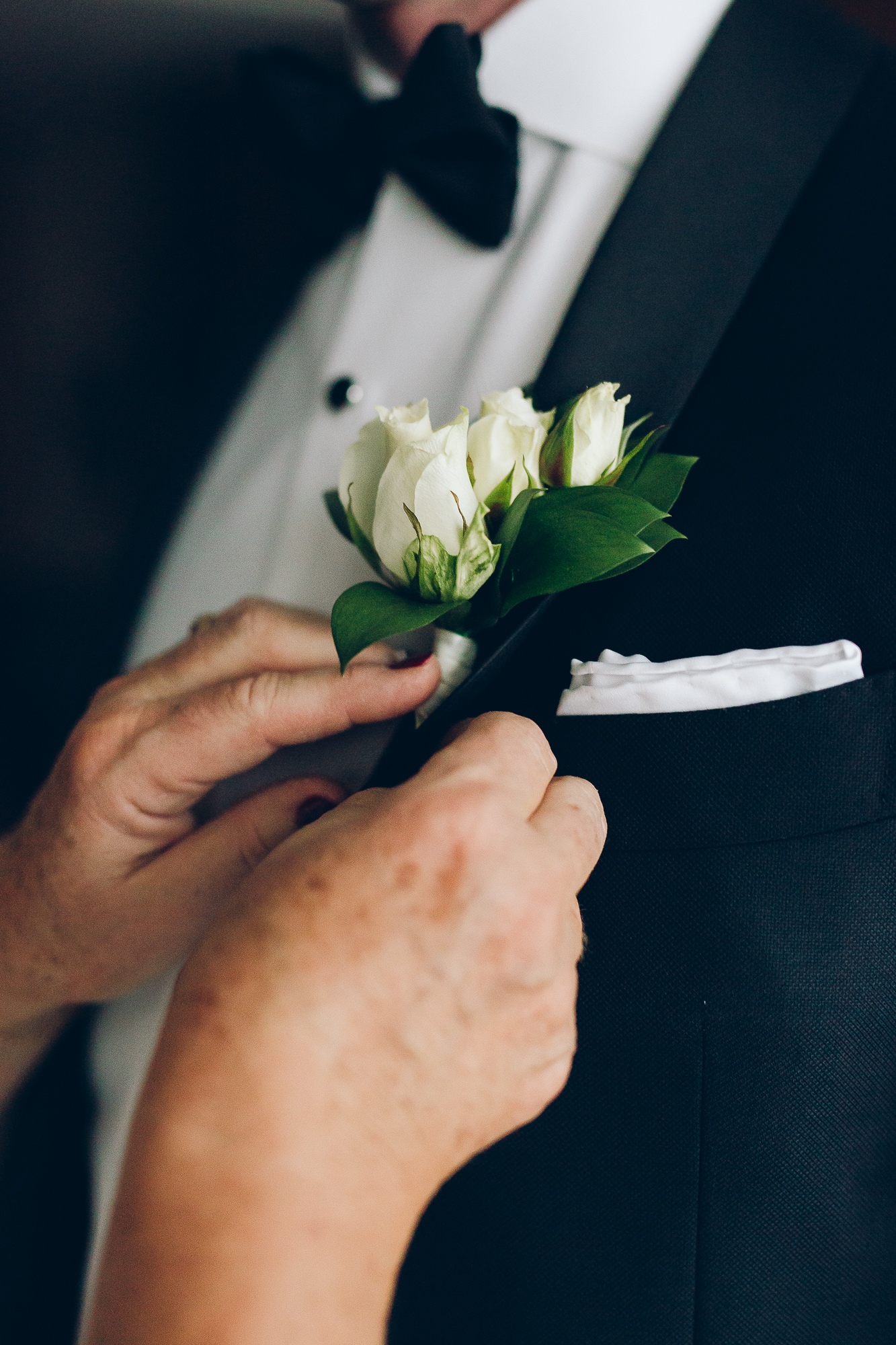 1074-Wedding-Groom-Getting-Ready-Nicole-Brad.jpg
