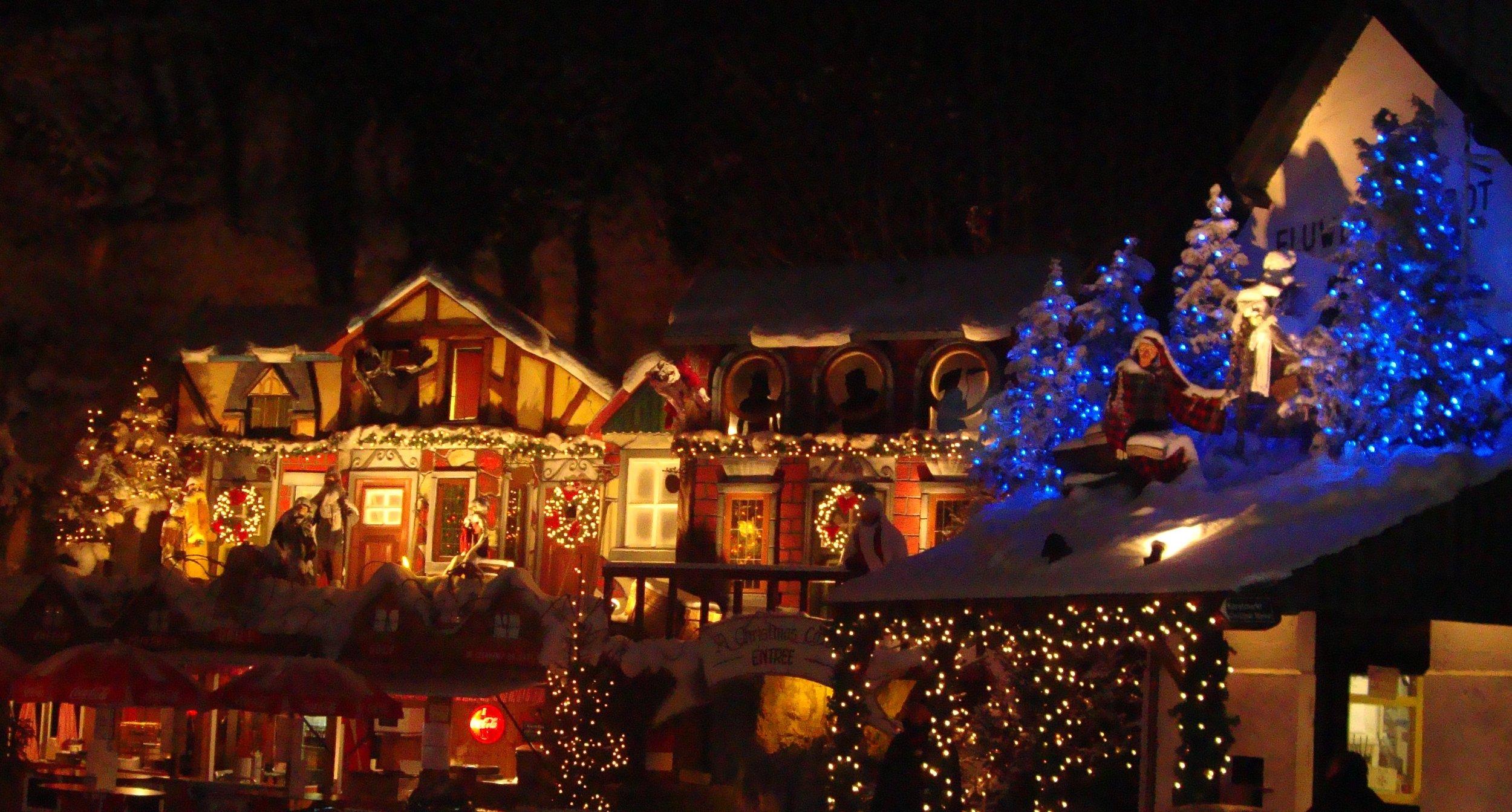 valkenburg-kerstmarkt-fluweelengrot-1.jpg