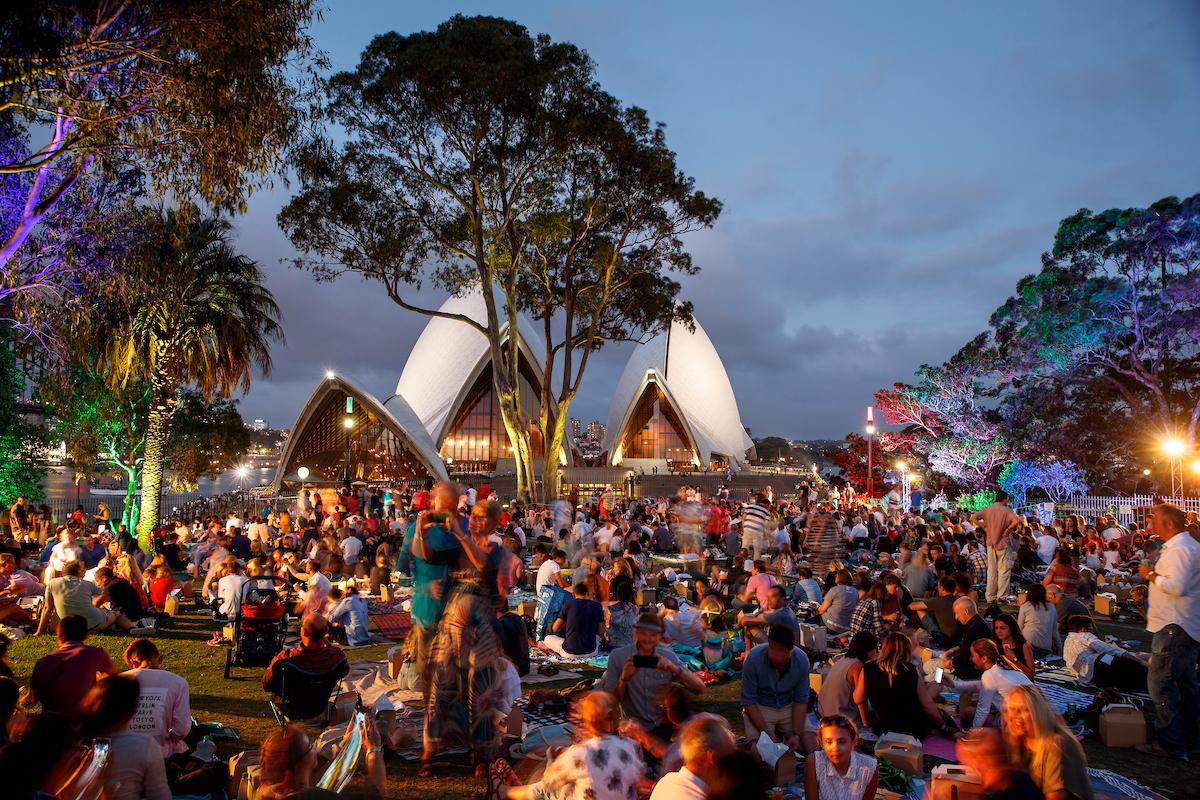 Royal Botanic Gardens_Sydney_NYE 2017_fireworks0450.jpg