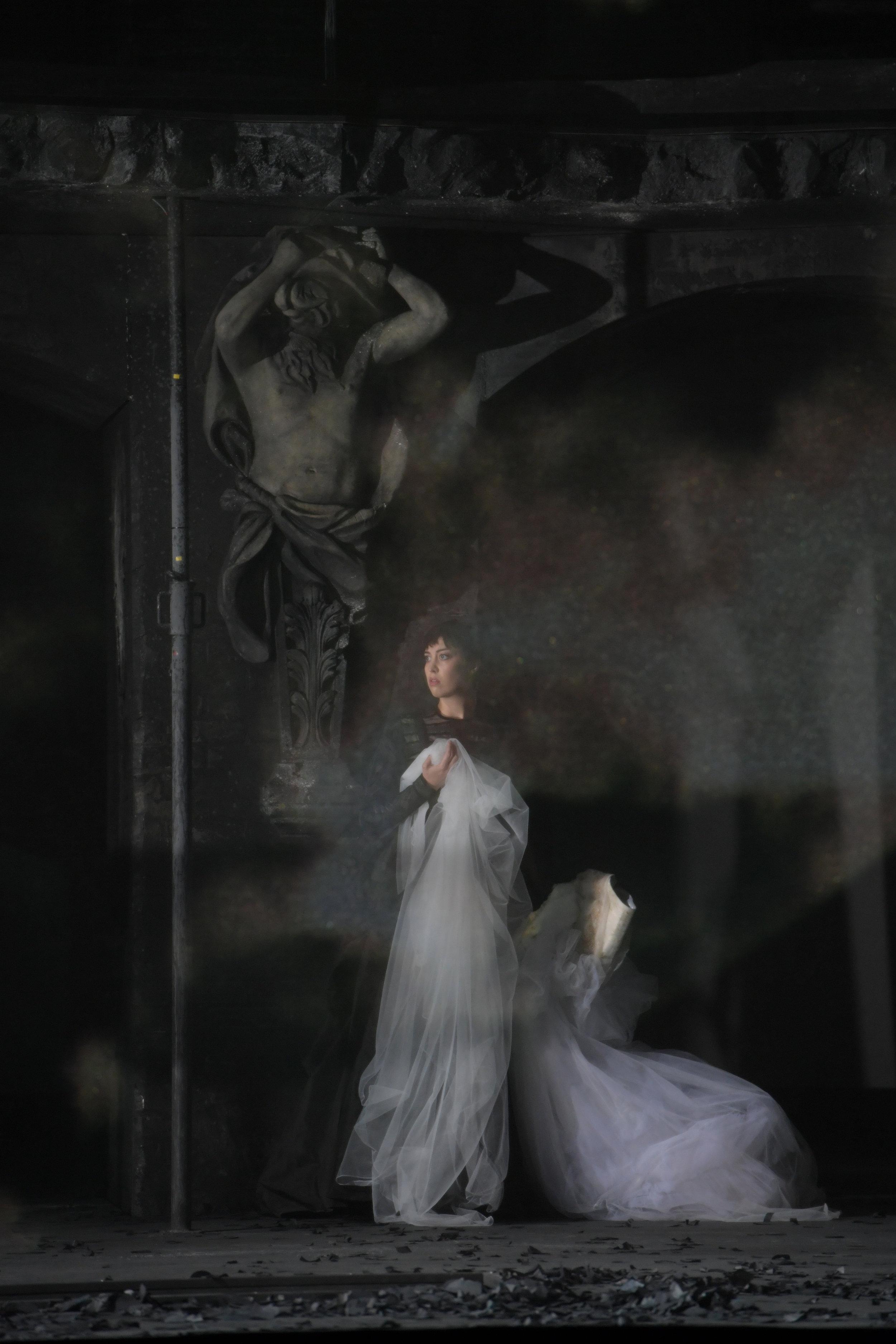 Bianca Andrew as Enrichetta di Francia  I Puritani - Oper Frankfurt  Photo: Barbara Aumüller