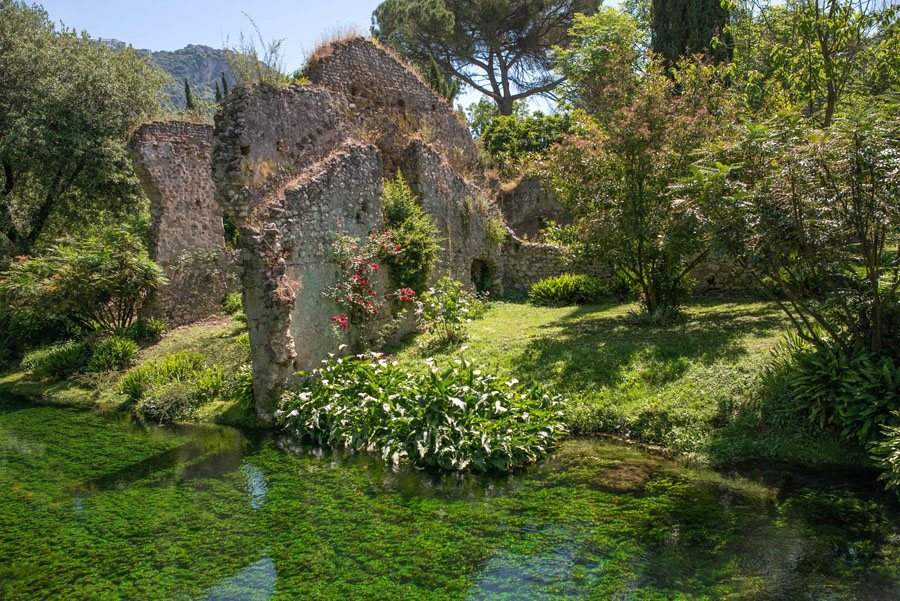 8-Garden-of-Ninfa-most-romantic-botanical-garden-Italy-Rome-Purple-Home-News.jpg