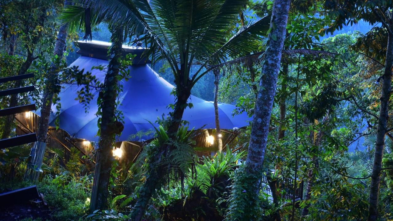 Capella Ubud Bali Juliet Kinsman Sleeper mag.jpg