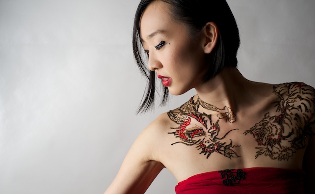 Model: Joyce Yung Henna Art: Sara Mush Photographer: Kenneth Lim MUA: Karen Chu