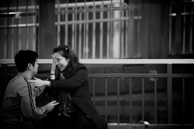 Hong Kong marriage, say yes crying