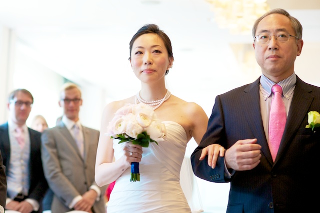 japanese bride father walking down the aisle