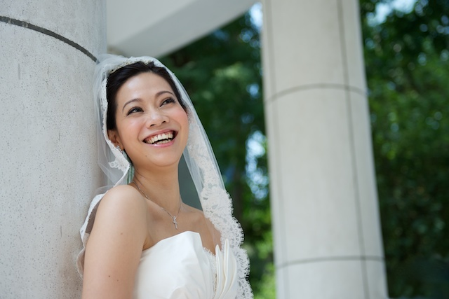 Hong-Kong-Park-wedding-bride-portrait-session-happy