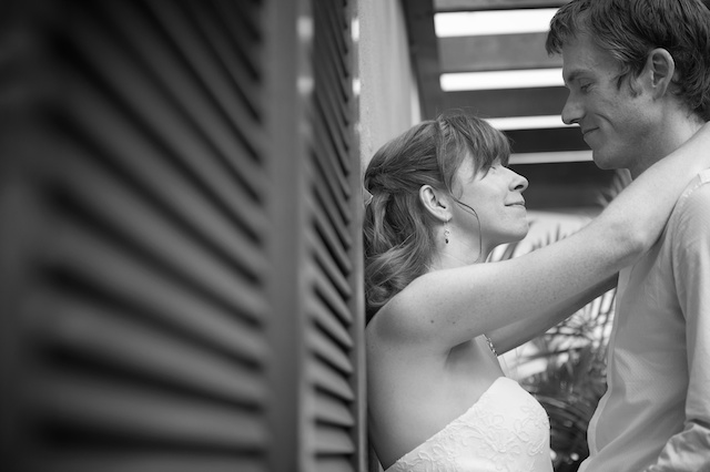Hong Kong Wedding portrait session outdoor bride and groom leaning black and white