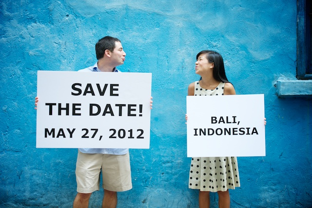 Hong-Kong-Engagement-Session-Outdoor-Blue-Wall-Bride-and-Groom-Save-The-Date