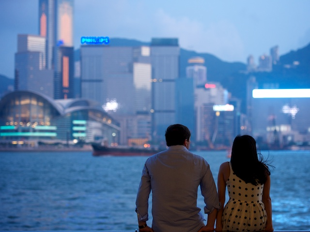 Hong-Kong-Engagement-Session-Outdoor-Portrait-Tsim-Sha-Tsui-Bride-and-Groom-Waterfront-Back