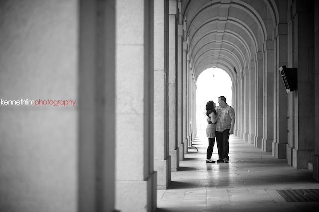 Hong-Kong-engagement-session-portraits-couple-hallway-outdoor-groom-bride-hugging