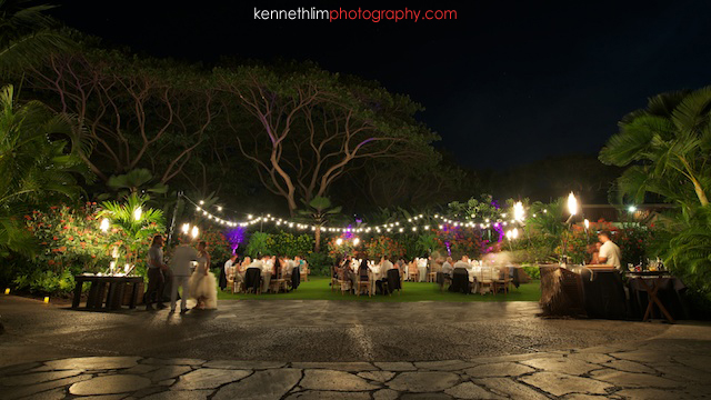 Kona Hawaii US Wedding outdoor dinner after dark