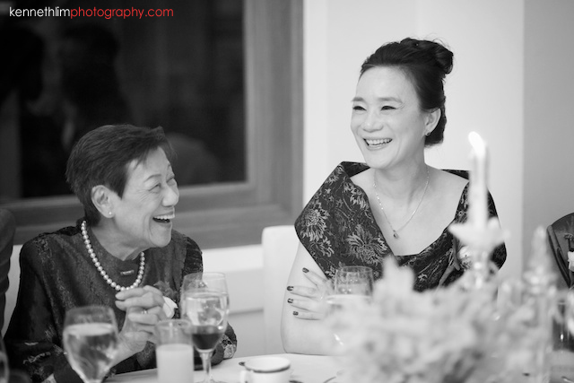 Hong Kong The Verandah wedding banquet mother of bride smiling