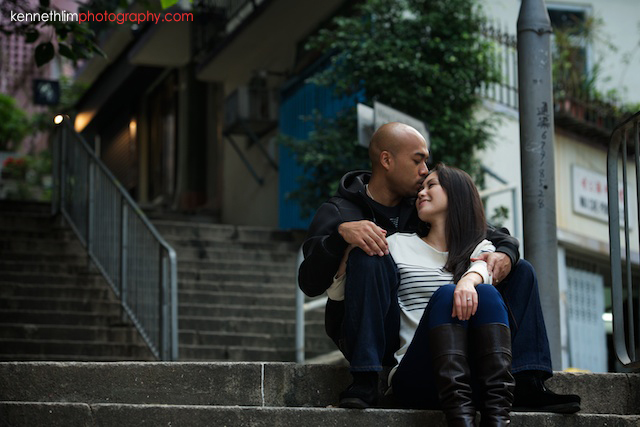 Hong Kong Midlevels engagement photoshoot session portraits couple kiss on stairs