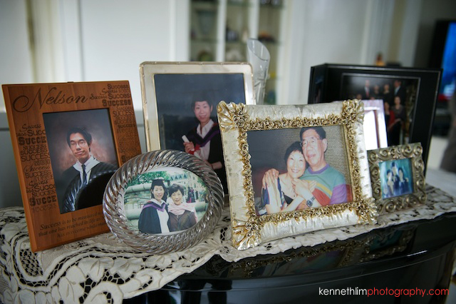 Hong Kong Shatin wedding morning family photo frames on piano