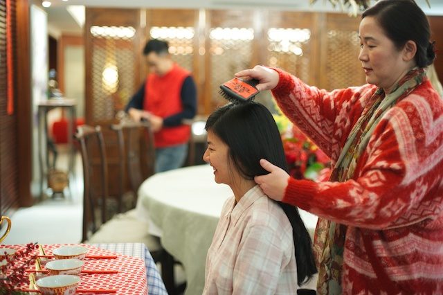 Hong Kong wedding morning preparations bride getting hair done