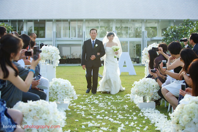 Koh Samui wedding YL Residence bride and father walking down the aisle