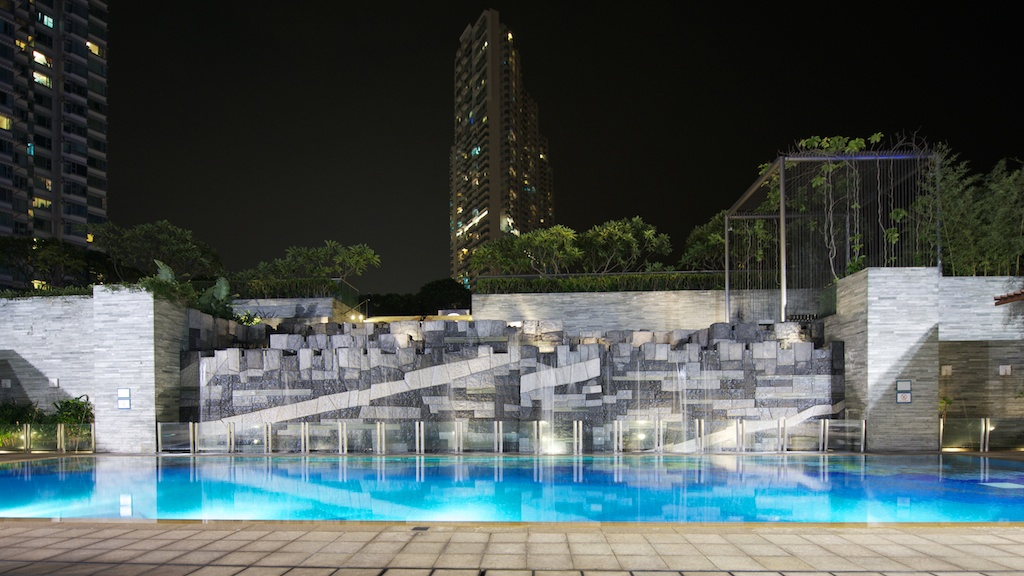 Hong Kong wedding photography Novotel swimming pool