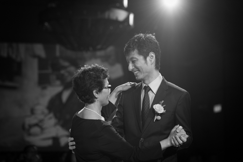 Hong Kong Wedding Photography Four Seasons banquet mother and groom dance