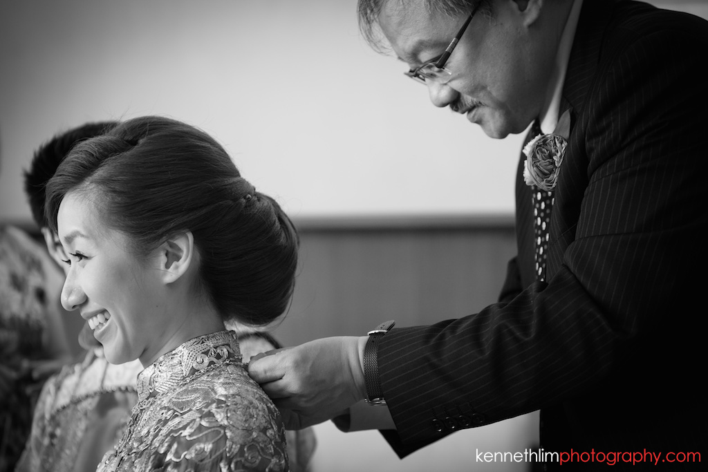 Hong Kong Wedding photography one thirty one morning prep tea ceremony gift giving