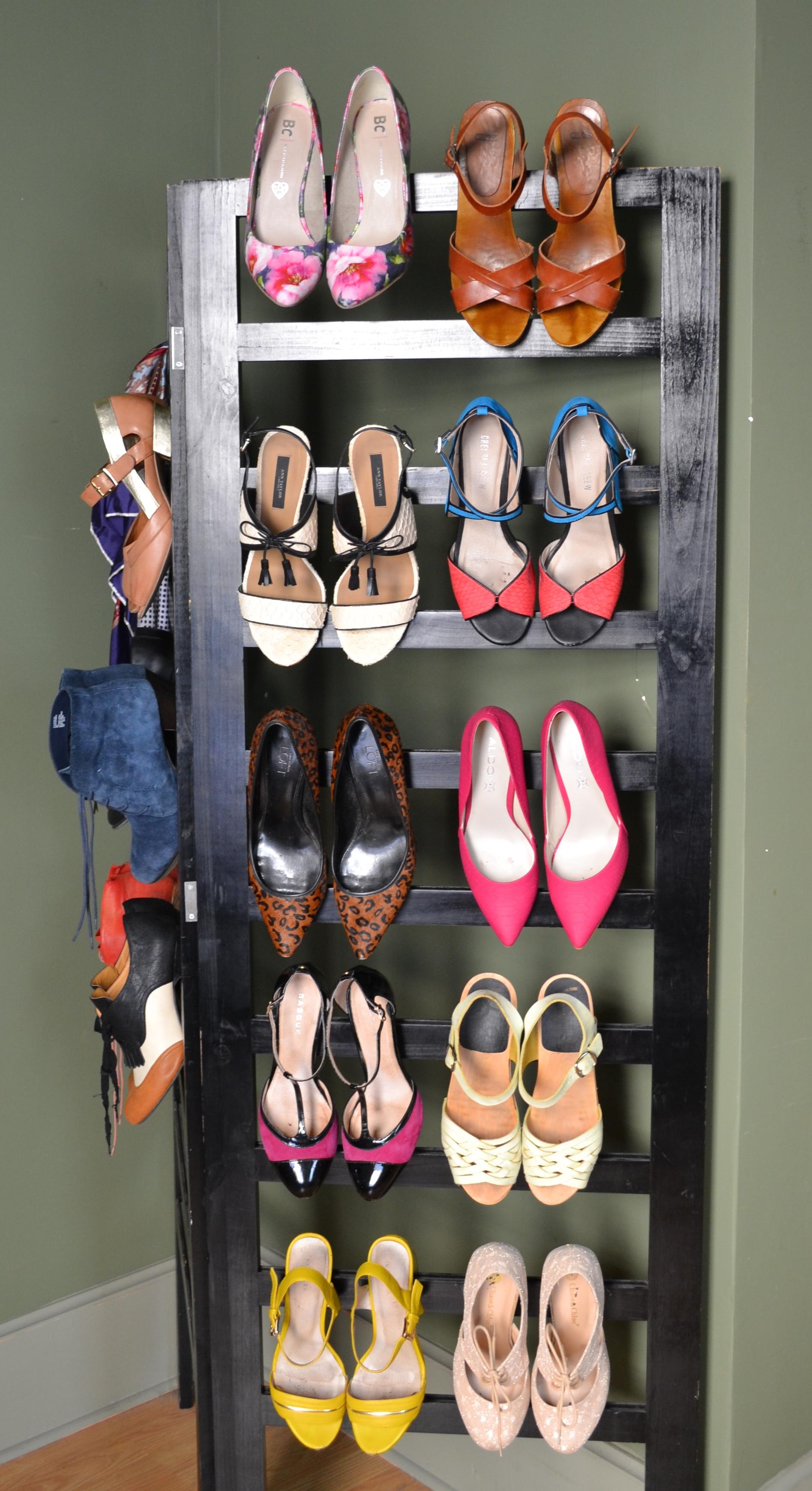 black-ladder-shoe-storage