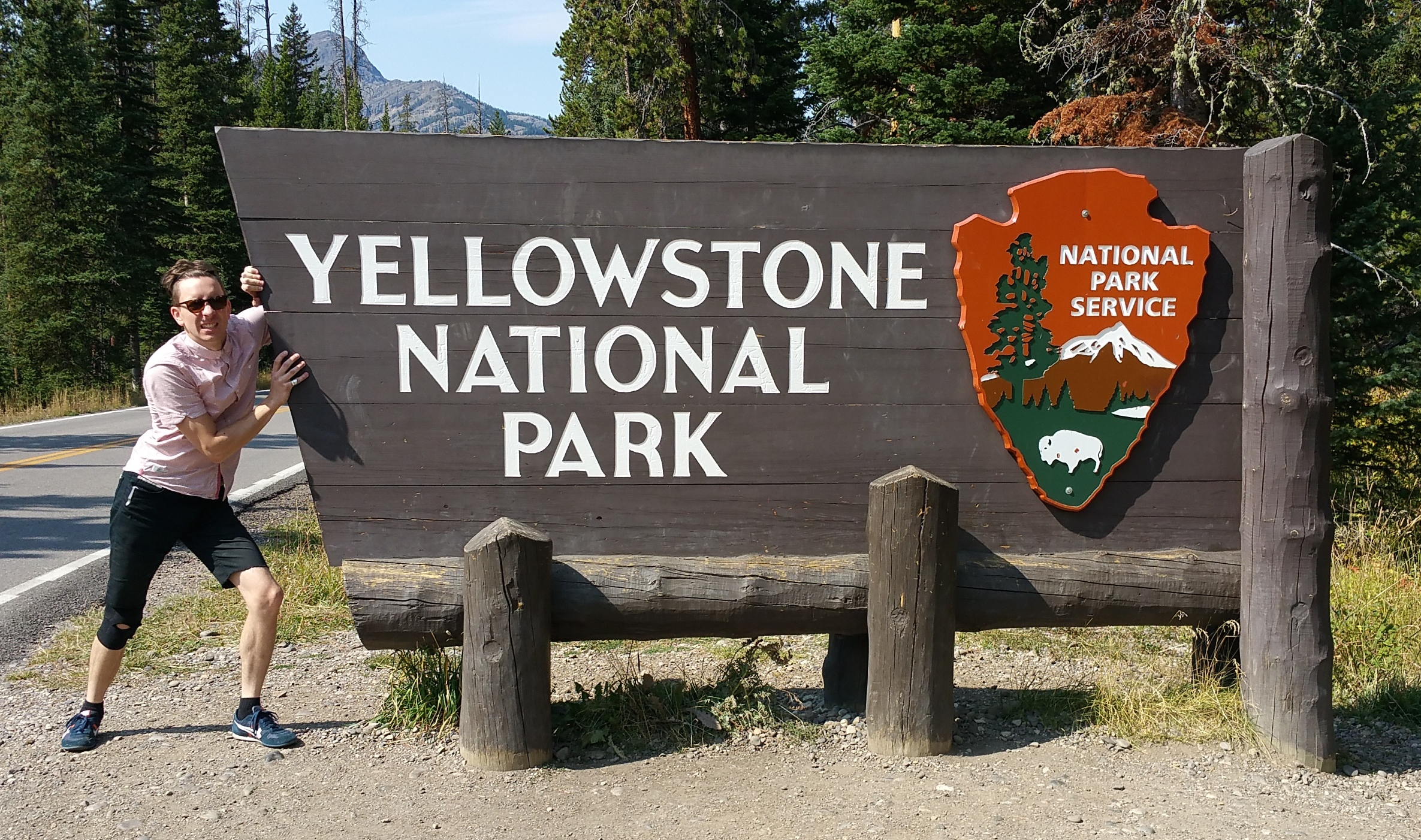 welcome-to-yellowstone-sign