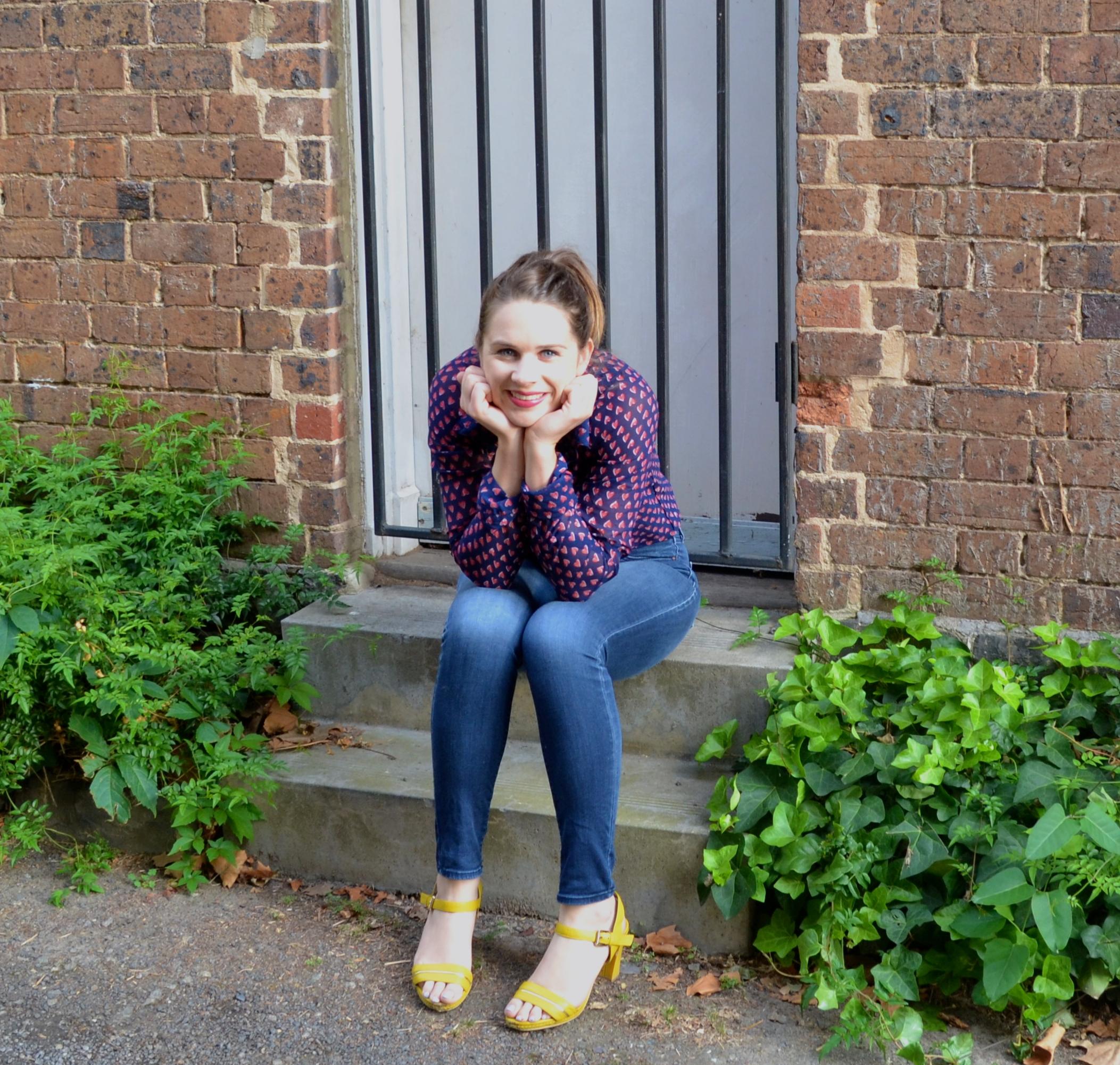 heart-blouse-jeans-brick-step