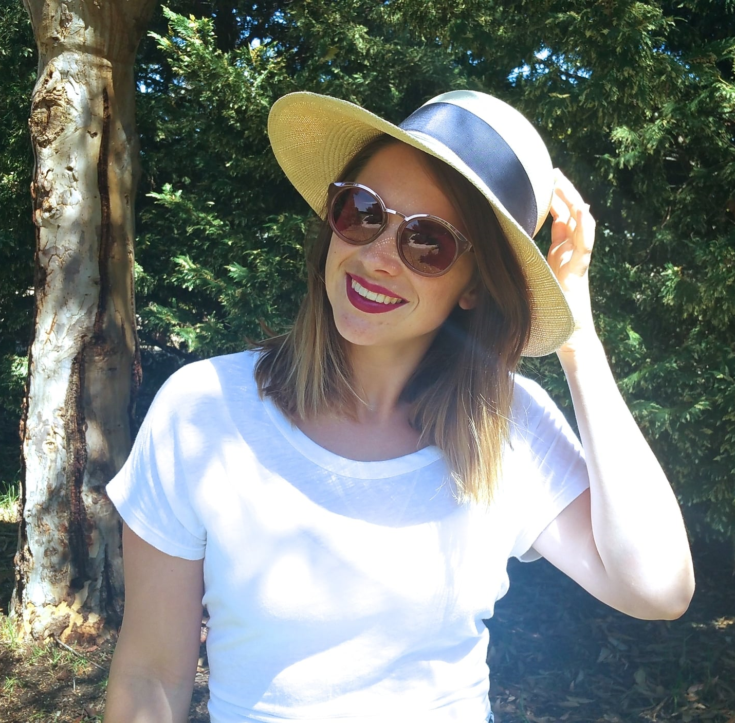 bonlook-sunglasses-summer-straw-hat-red-lips