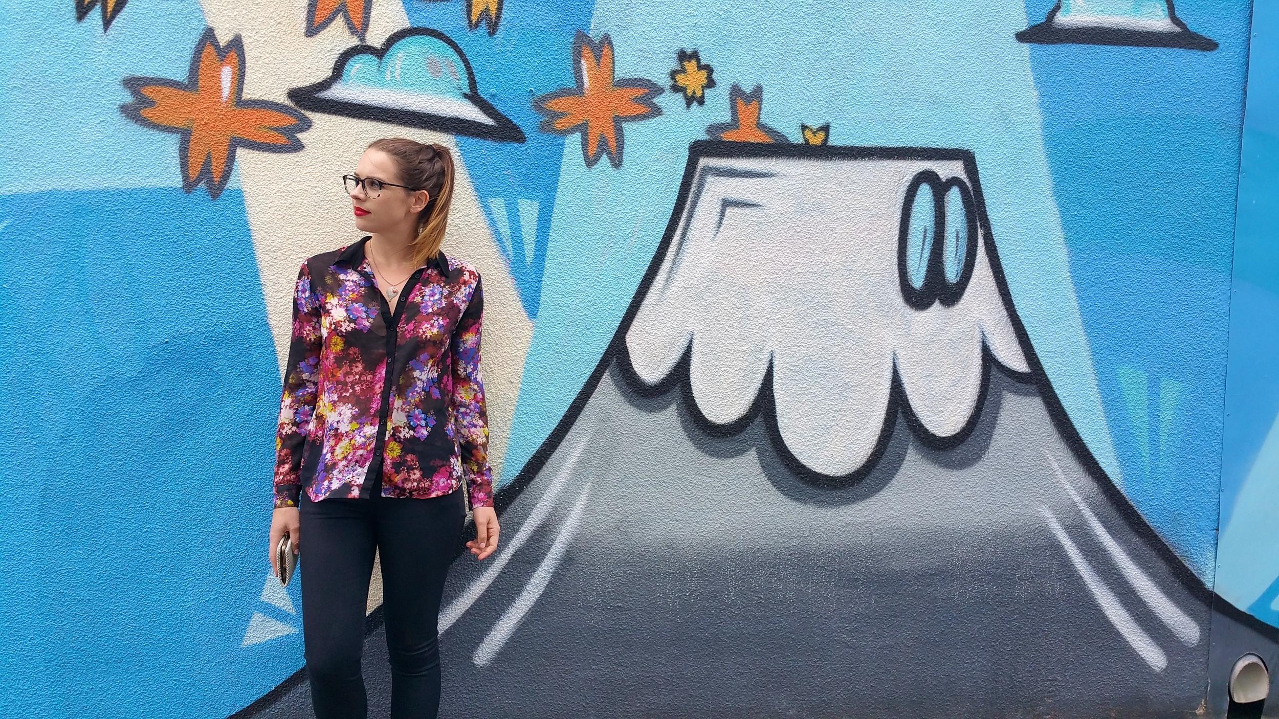 graffiti-melbounre-sportsgirl-floral-blouse