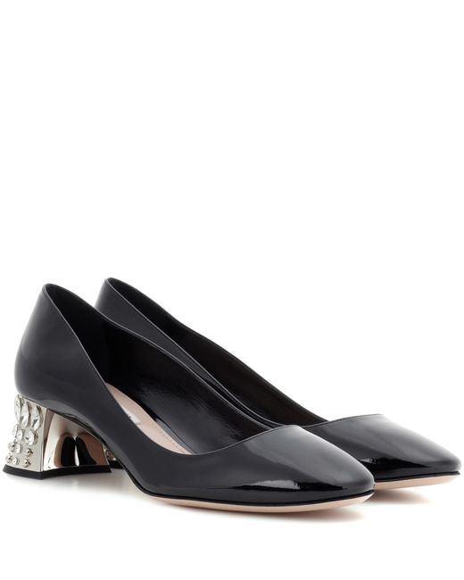 miu-miu-black-Embellished-Patent-Leather-Pumps.jpeg