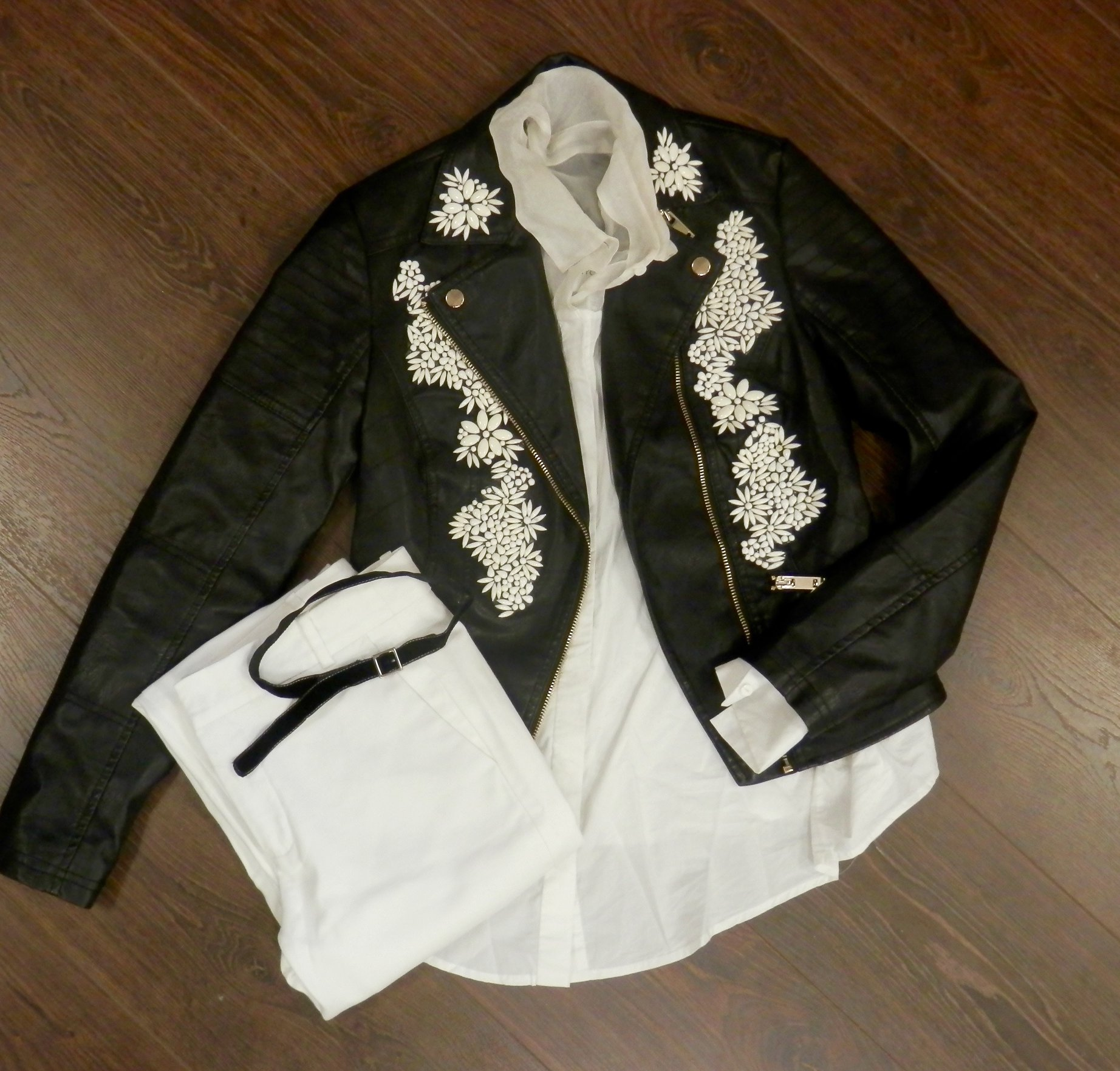 embellished-leather-jacket-DIY.jpg