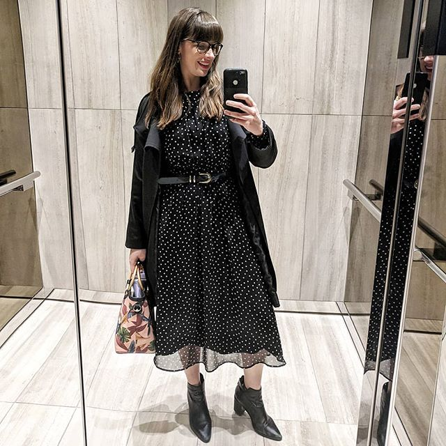 From last week - you may recognise this dress! It's the same dress I was wearing a couple posts ago (my @boden_clothing favourite dress). I love it so much I bought it in a polka dot print. I've had this one for about 18 months too, and wear it on regular rotation 😁. Have you ever bought two of the same thing when you loved it so much? . . #boden #bodenclothing #fashinable #fashiongram #fashionista #thriftstorefinds #thrifted #thriftedthreads #opshopfinds #opshopping #opshopstyle #styled #styleicon #styleoftheday #styleblogger #styleinspo #officestyle #workstyle #workwear #secondhandstyle #sustainableliving #sustainablefashion #30wears