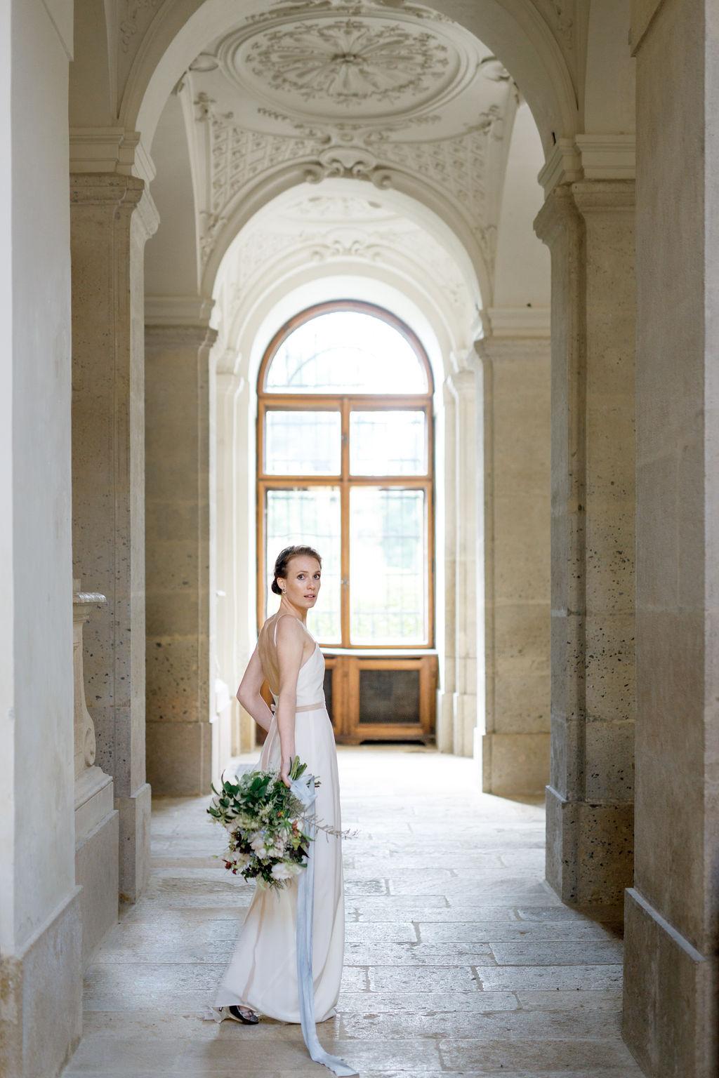 Bridal-Shoot-Eckartsau-Castle-byIconoclashPhotography-0015.jpg