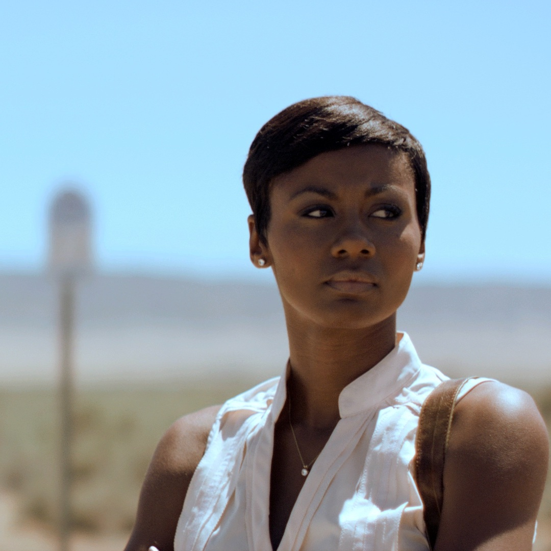 Middle_Of_Nowhere_filmstill1_emayatzy_corinealdi_300.jpg
