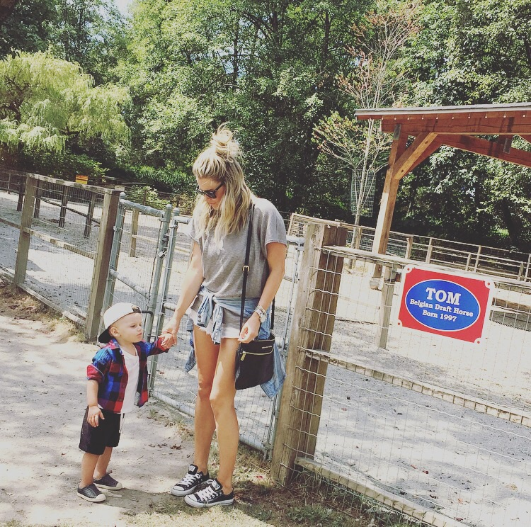 Hudson's first trip to the zoo to see many animals.