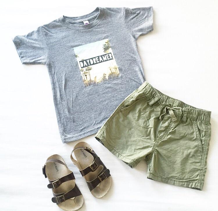 Vagabond Babe  'Daydreamer' tee /  Old Navy  shorts & Sandals