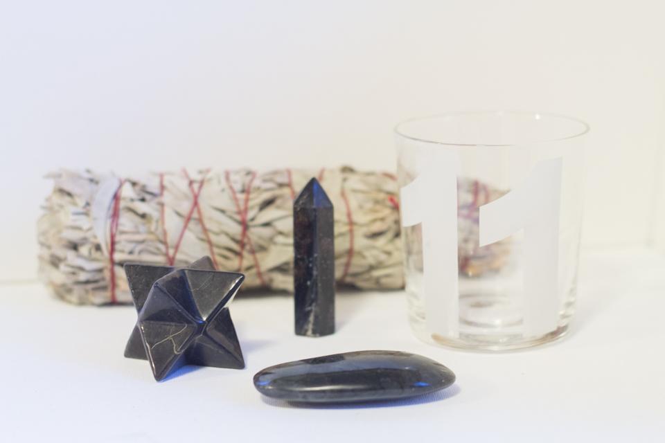 What I am Rocking: My favorite lightbody activators: Shungite merkaba, Arfvedsonite, Labradorite, Sage, and the number 11