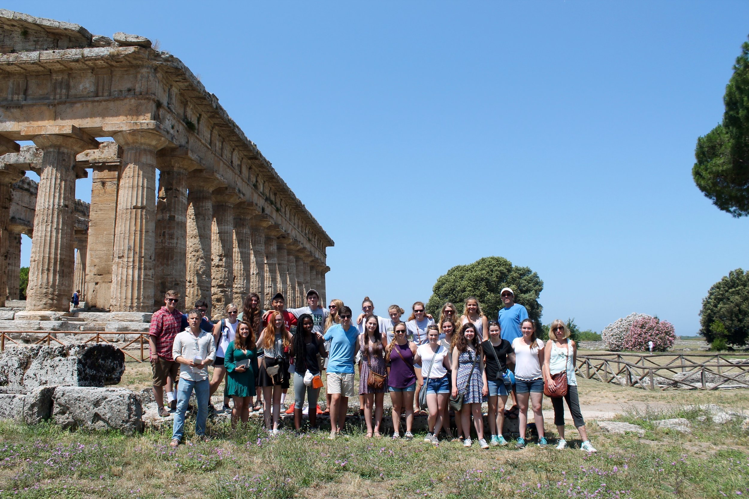 paestum group picture.jpg
