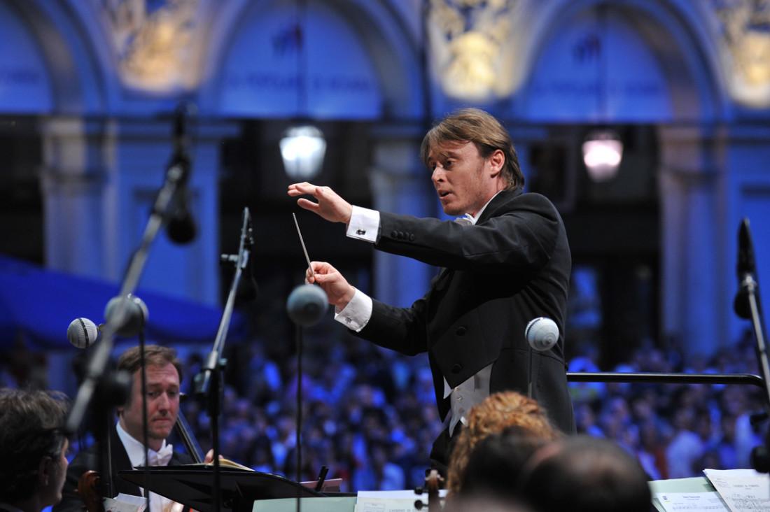 Mariotti-dirige-1100x732 - Copy.jpg