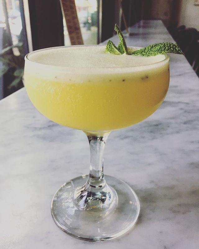 TGIF, Gems! This is a sgroppino (sgrow-PEEE-no) with pineapple mint sorbetto, gin, and prosecco. This is the best way to kick off your long weekend. Open erryday till 11. 🍍🥂💜😘