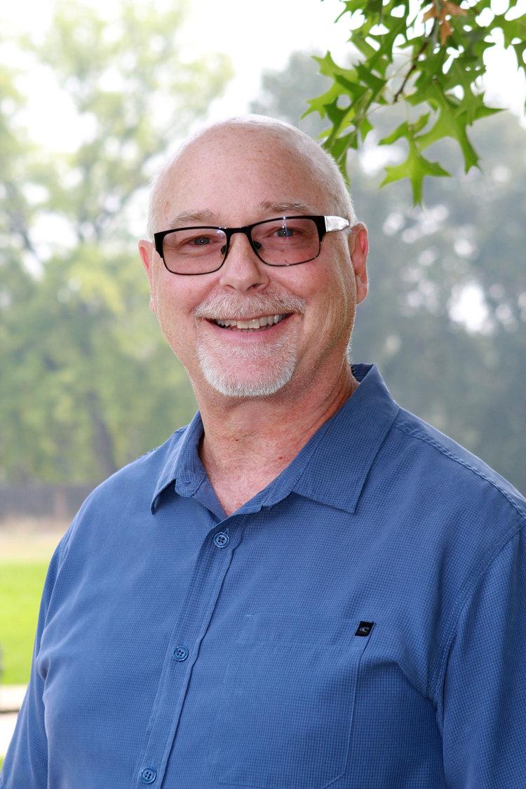 <p><strong>Greg Bailey</strong><br>Teacher<br><a href=mailto:gregb@ndaemail.com>gregb@ndaemail.com</a></p>
