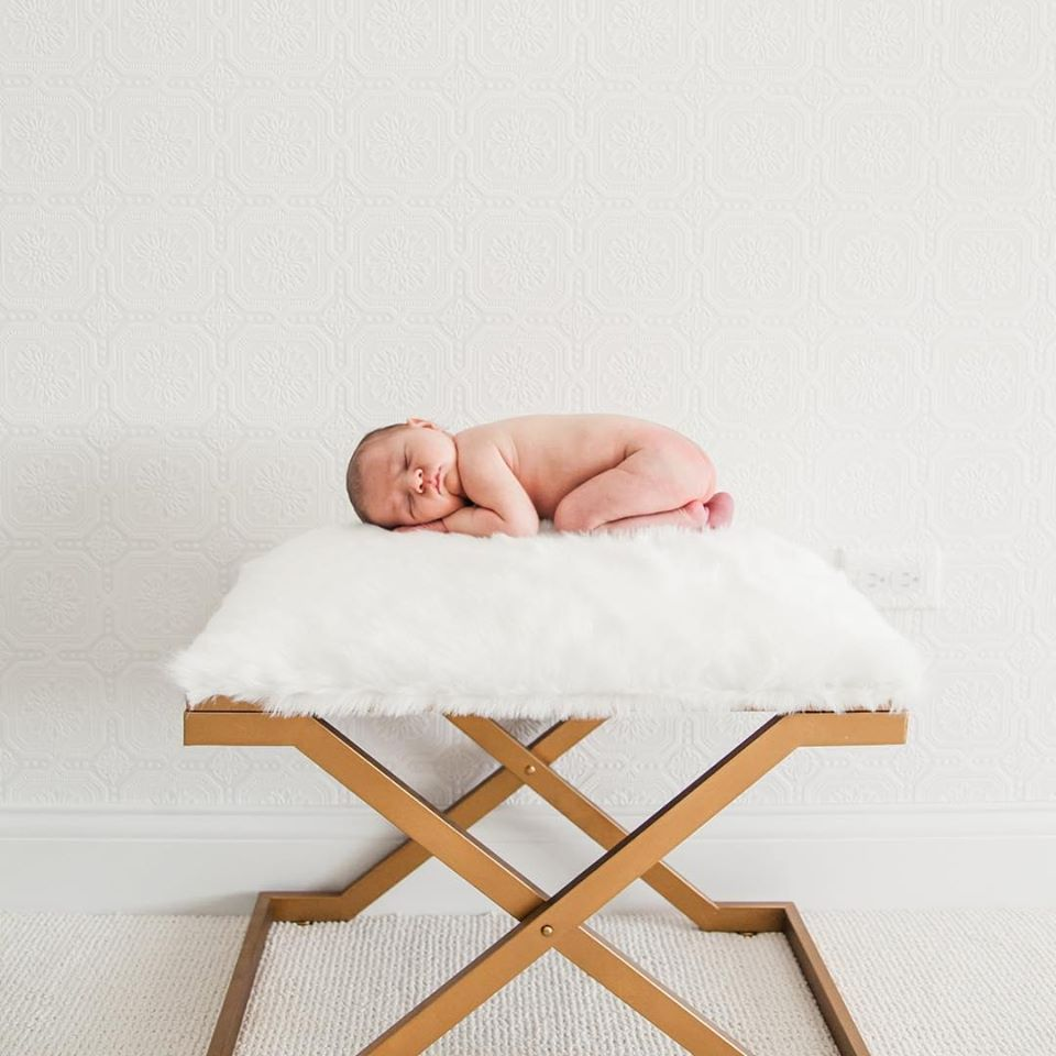 posed-baby-chicago-newborn-photography.jpg